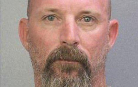 Matthew Bordeaux skončil kvůli šmírování ve vězení.