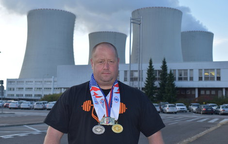 To je on, nejsilnější policista Česka. Slouží ve speciálním týmu, který střeží jadernou elektrárnu Temelín.