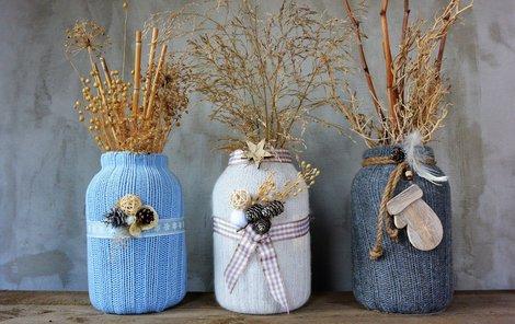 Kabátek na vázu