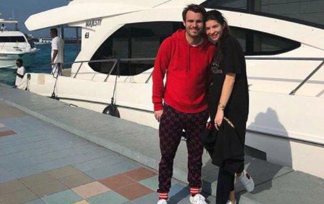 Leoš Mareš a Monika Koblížková vyrazili na Maledivy.