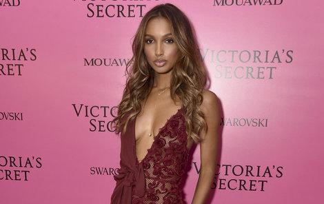 Jasmine Tookes (26)