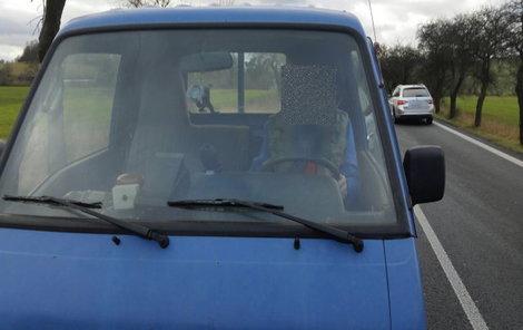 V tomto voze údajný pachatel jel.