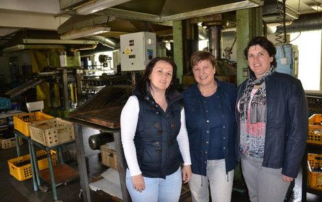 Rodina táhne už léta za jeden provaz – zleva Kateřina Zubíčková, maminka Lenka Mráčková a sestra Michaela Blažková.