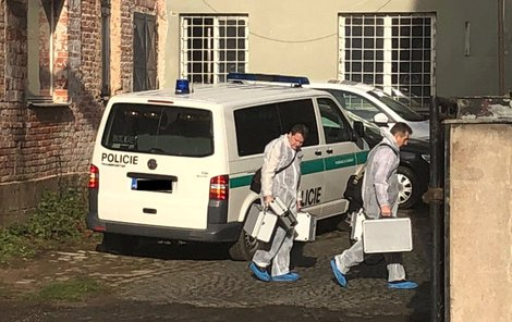 Kriminalisté včera ohledávali místo činu.