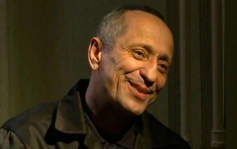 Popkov měl při rozhovoru dobrou náladu a několikrát se usmál.