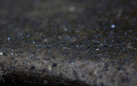 Mikroskopických drahokamů má být ve městě podle odhadů až 72 tisíc tun.