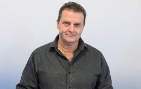 Zástupce KSČM a bývalý normalizační policista – poslanec Zdeněk Ondráček (48)