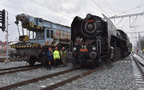 Odolnost mostu testovala parní lokomotiva Šlechtična.