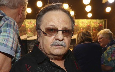 Zpěvák Petr Spálený opět začal koncertovat.