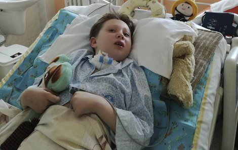Adámek skončil po operaci mandlí v kómatu