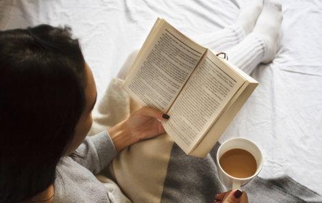 Jak oslavit tento den? Stačí jen sáhnout po té pravé knize, třeba jedné z novinek, které pro vás vybralo Aha!.