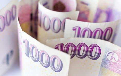 Polovinu Čechů tají výhru peněz před partnery.