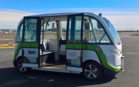 Podobné minibusy, jako je tento francouzské značky Navya, by mohly v budoucnu jezdit po Ústí.