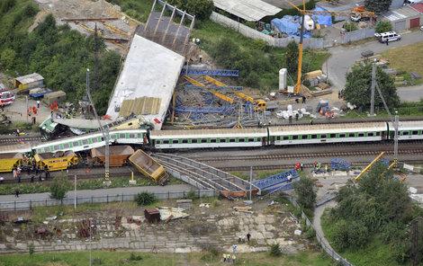 Při tragické nehodě ve Studénce zemřelo osm lidí.