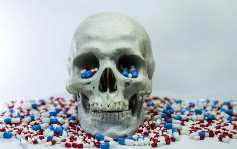 Světová zdravotnická organizace (WHO) před padělky také důrazně varuje.