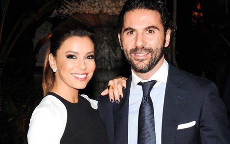 Eva Longoria s manželem José Bastónem