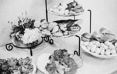Slavnostní večeře se zločinci nedočkali.