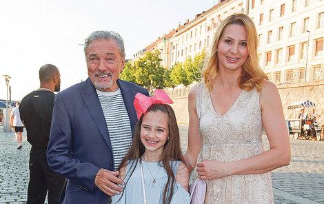 Na dceru jsou rodiče Karel s Ivanou právem pyšní.
