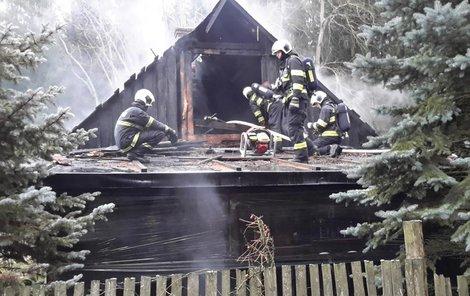 Požár hájenky, těžce zraněné dítě