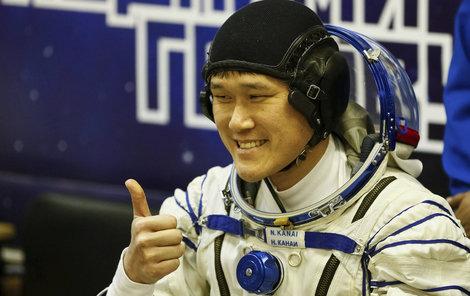Japonský astronaut Norišige Kanai (41) se musel omluvit za svůj úlet.