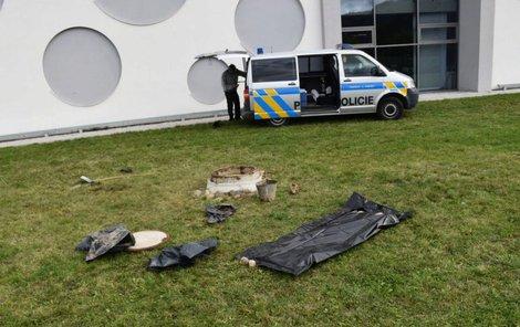 Kosterní pozůstatky pohřešovaného byly objeveny loni v říjnu v kanalizaci na Berounsku.
