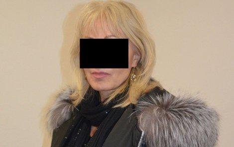 Pacientka u hradeckého soudu.