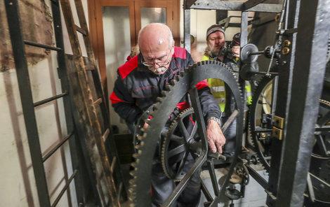 Některá ozubená kola váží i přes 20 kilo.