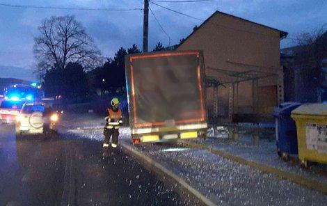 Děsivé chvíle včera ráno prožili lidé v Rosicích na Brněnsku.