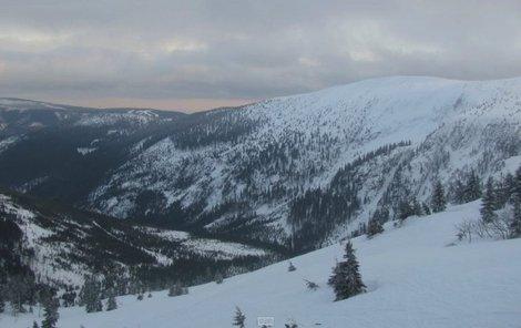 Nejvíc sněhu je na Labské boudě v Krkonoších.
