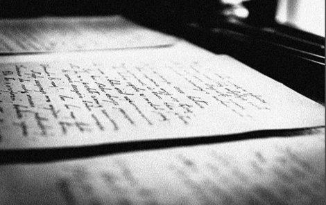 Vrazi ženu donutili napsat závěť.