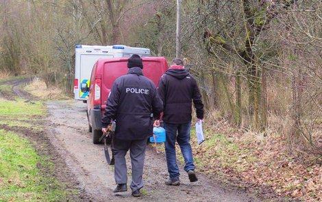 … policisté zajistili na místě kromě myslivcovy pušky i plynovou bombu.