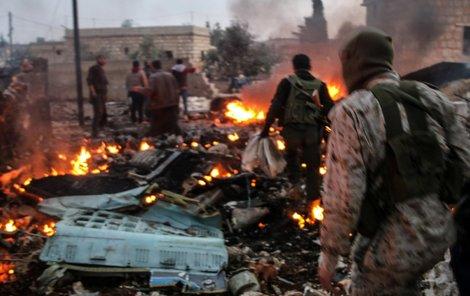 Ruský pilot, kterého sestřelili v Sýrii, s výkřikem »To máte za naše kluky!« odjistil granát a odpálil se