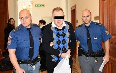 Petru K. hrozí až 18 let vězení.