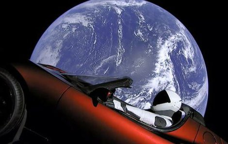 Falcon Heavy by měl v budoucnu sloužit k dopravě těžkých nákladů na oběžnou dráhu, při vědeckých misích, vesmírné turistice nebo třeba při cestách na Měsíc a na Mars.