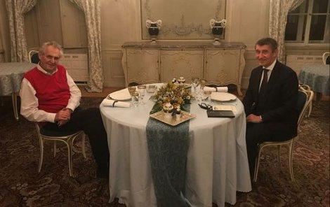 Premiér a prezident se konečně setkali.