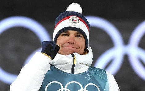 Michal Krčmář na stupních vítězů slaví stříbro ze sprintu