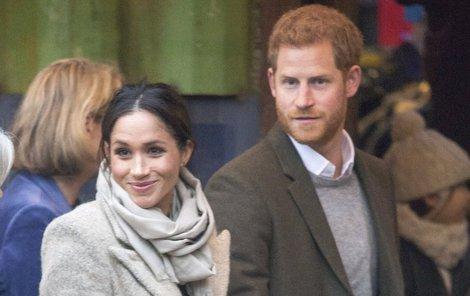 Harry tvoří s Meghan velmi sympatický pár.