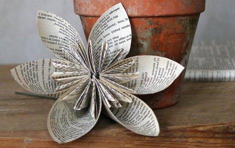Origami květina