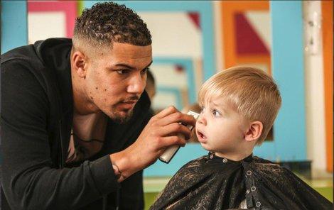 Dětské kadeřnictví mu vynáší 19 milionů ročně!