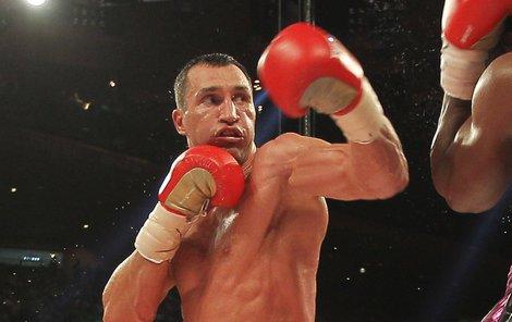 Ukrajinec je i půl roku po ukončení kariéry ve skvostné formě, jeho tělo hraje svaly jako anatomický atlas.