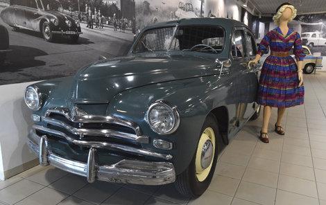 1956 GAZ-M72 Poběda První sovětský osobák dostupný i v zahraničí. Vznikl za podpory Nikity Sergejeviče Chruščova a měl být určen především tajemníkům strany a předsedům kolchozů. V Polsku se montoval pod názvem Warszawa M20.