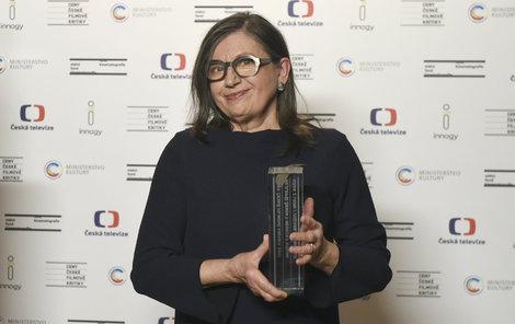 Zuzana Kronerová s cenou kritiky za film Bába z ledu