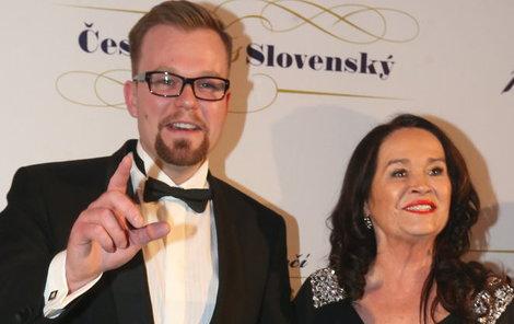 Hana Gregorová dorazila v doprovodu mladšího partnera
