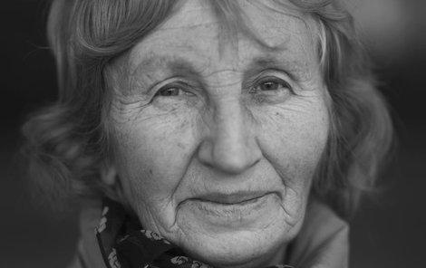 Starší ze sester, Jarmila Doležalová v Ležákách.