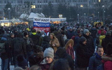 Nespokojení Slováci vyšli do bratislavských ulic.