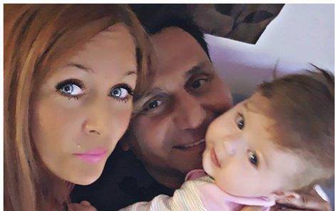 Kompletní rodinka Růžičkových září na všech fotkách štěstím.