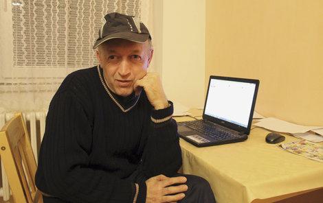 """""""Už jsem na poplatcích a pokutách musel zaplatit více než 8 500 korun, """" říká Michal."""