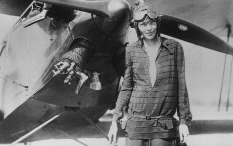 Amelia Earhart (†41)