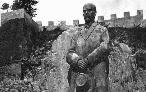 Největší socha TGM v Evropě stála u Rudky u Kunštátu. Měřila přes 10 metrů, podstavec měl další čtyři metry.