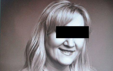 Atraktivní blondýna Jitka J. z Olomouce naletěla pašerákům drog a dobrovolně se stala kurýrkou.
